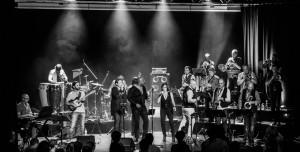 Pour l'association Sénas Musique, au théâtre de l'Eden, groupe de funk : keski'funk